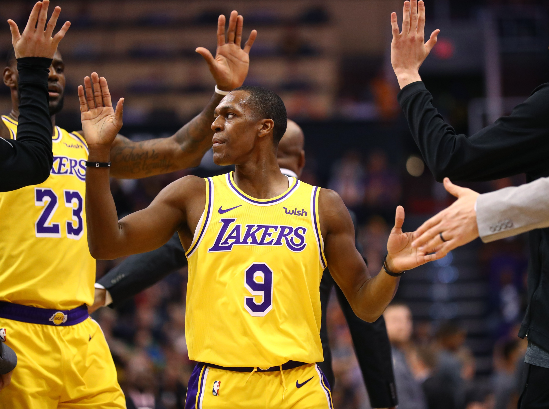 Lakers officially sign veteran guard Rajon Rondo