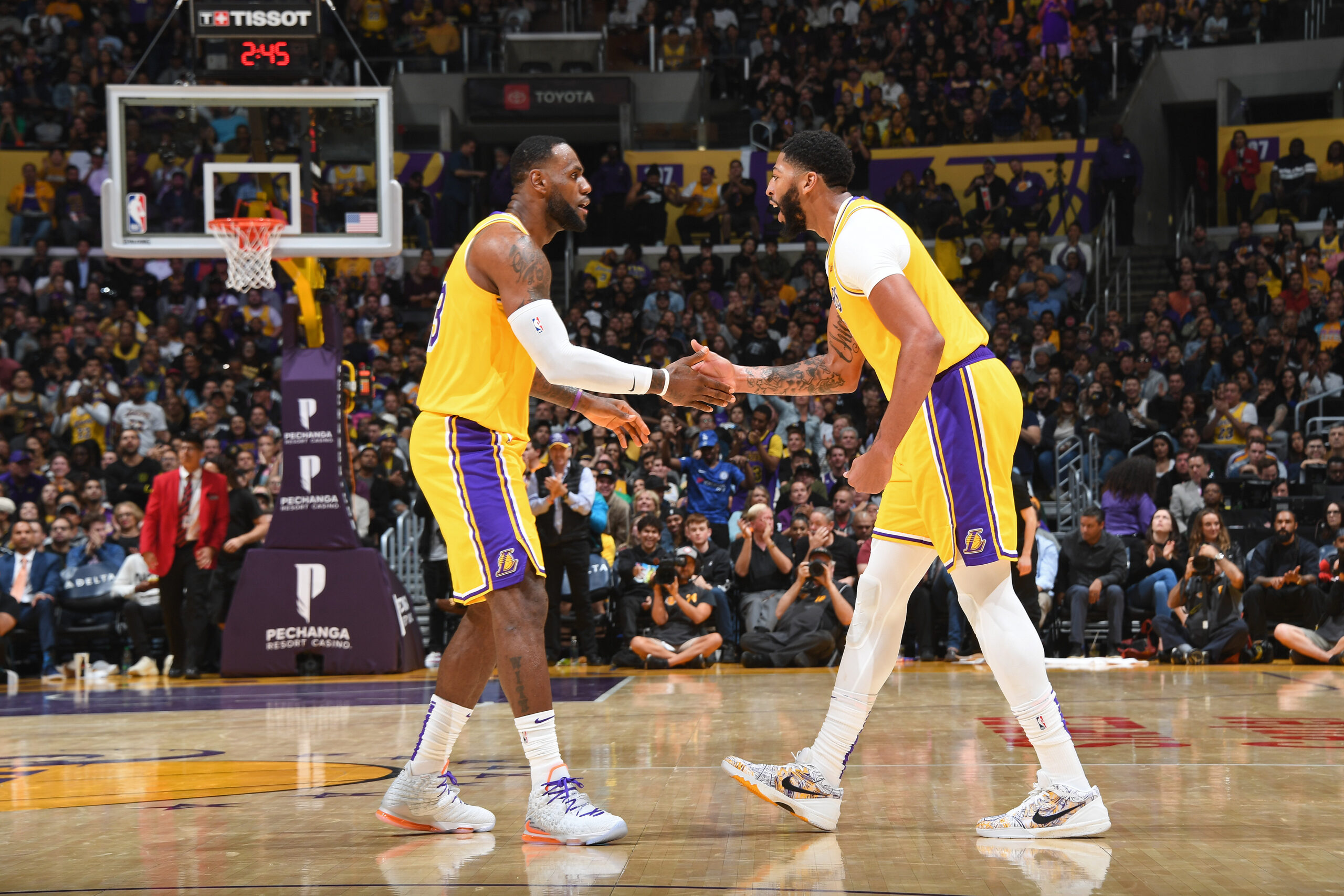 Will the Lakers be too experienced or just too old?