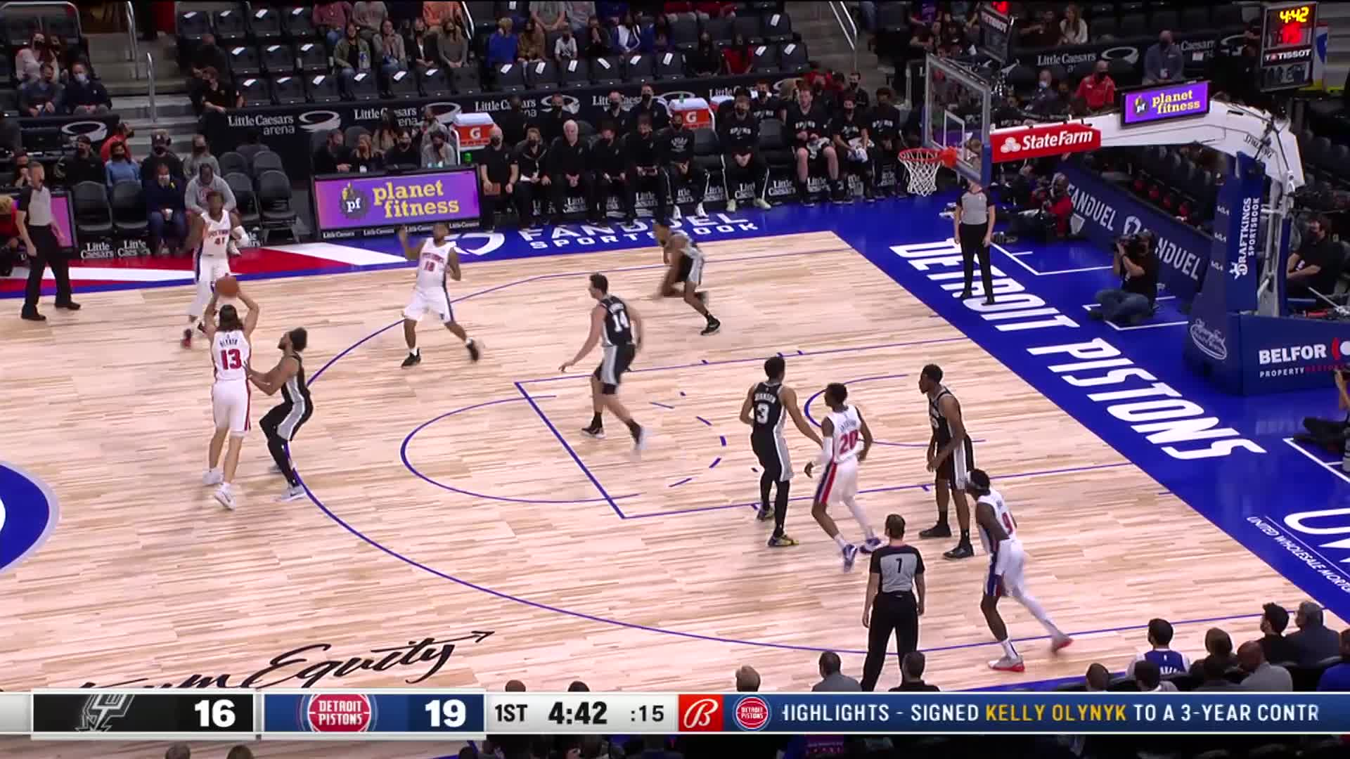 Catch-and-shoot 3 by Jerami Grant