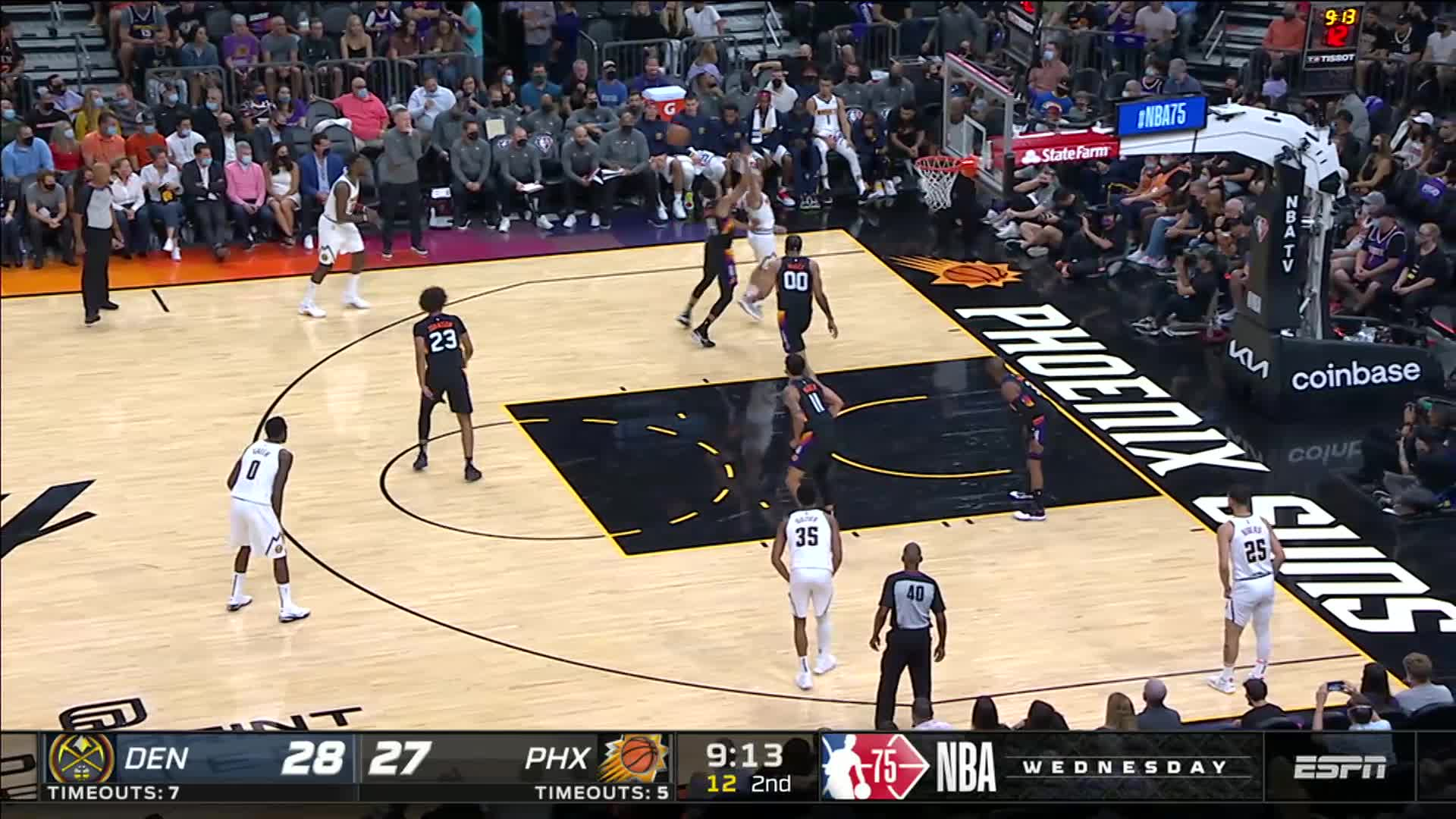 Chris Paul with the dribble pullup 3-pointer