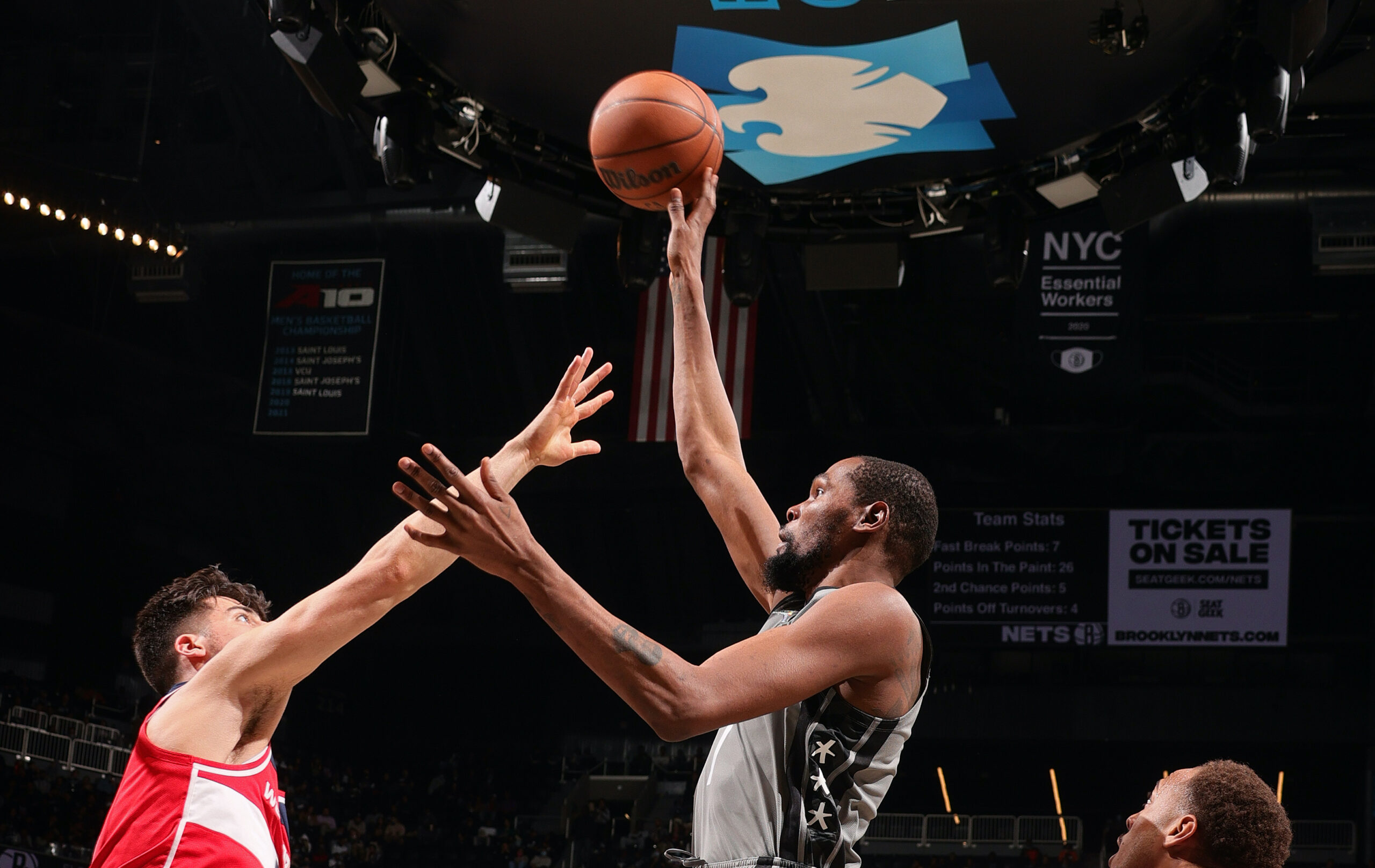 Kevin Durant reaches 24,000 career points, closes in on top 25 all-time