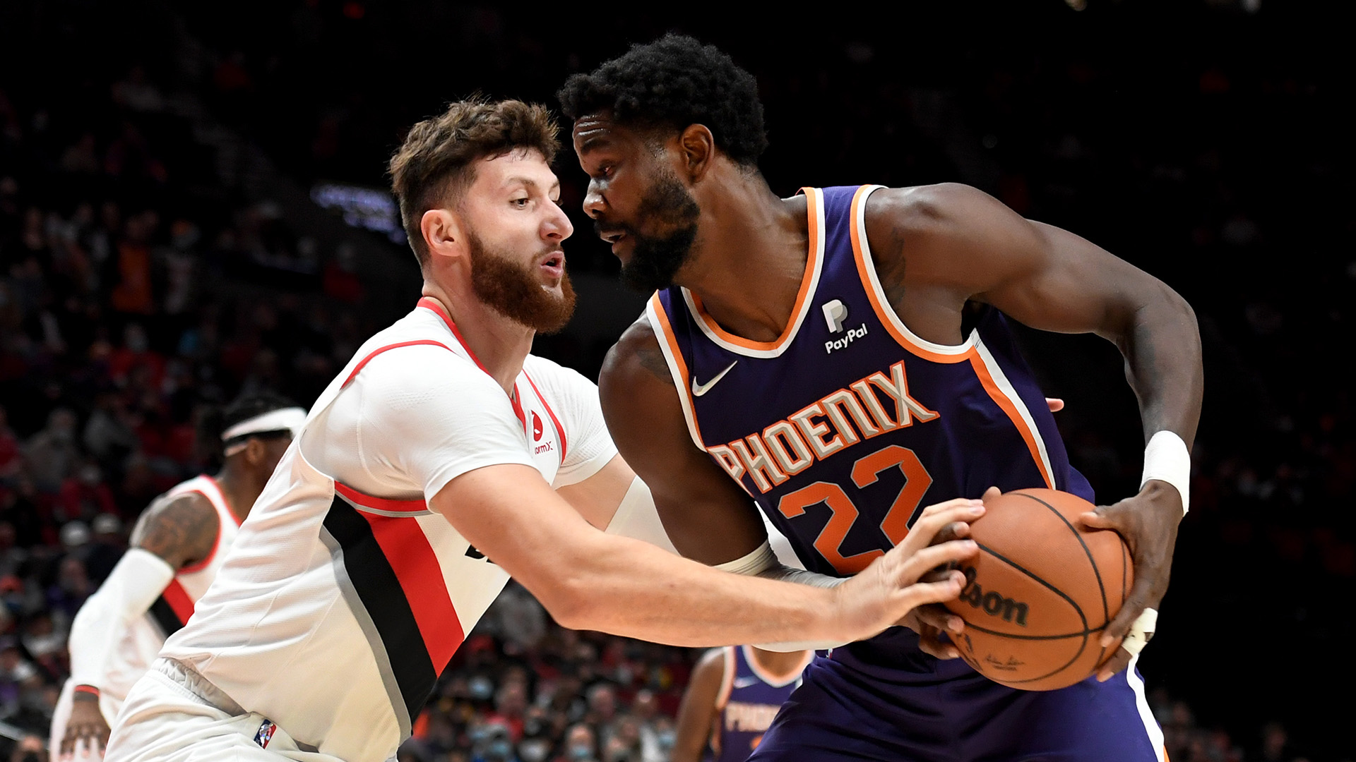 Hot-shooting Blazers grab double-digit lead on Suns