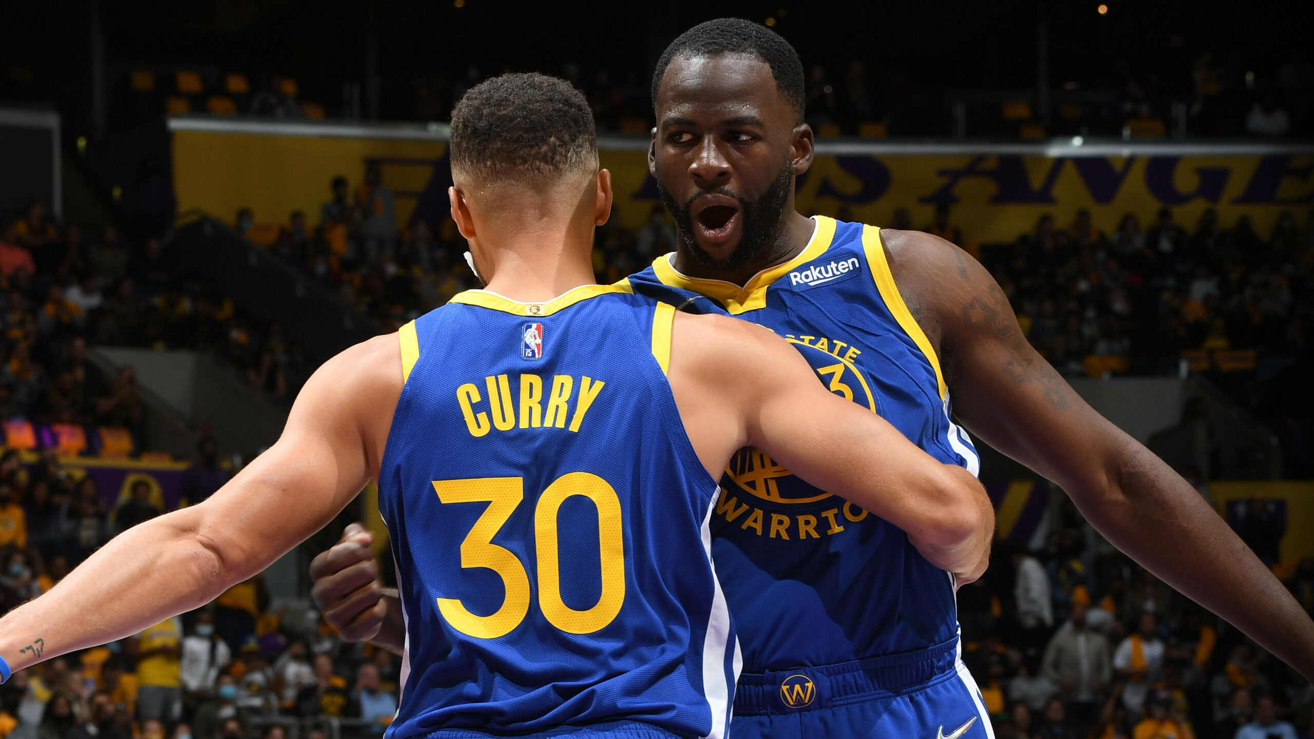 Warriors show familiar strength in opening win vs. Lakers