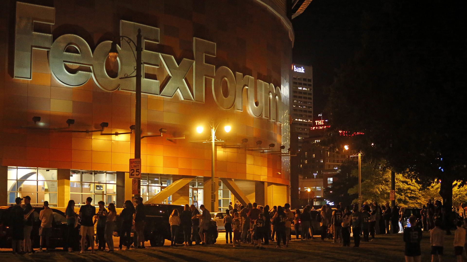 Bucks-Grizzlies game suspended after fire alarm evacuation