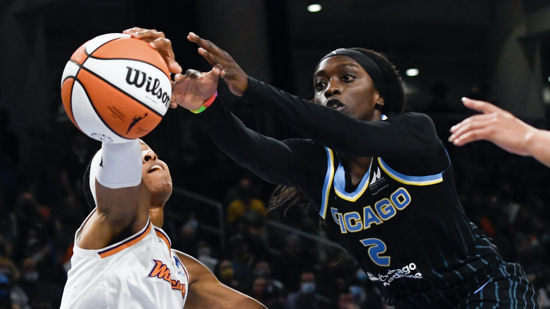 Sky rout Mercury in Game 3, move 1 win away from title