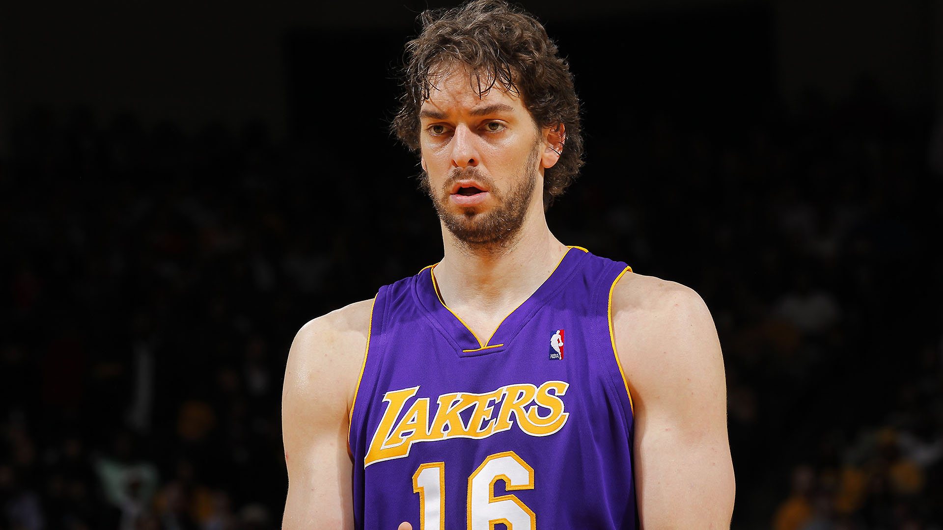Pau Gasol retires, Lakers reportedly planning to hang up No. 16