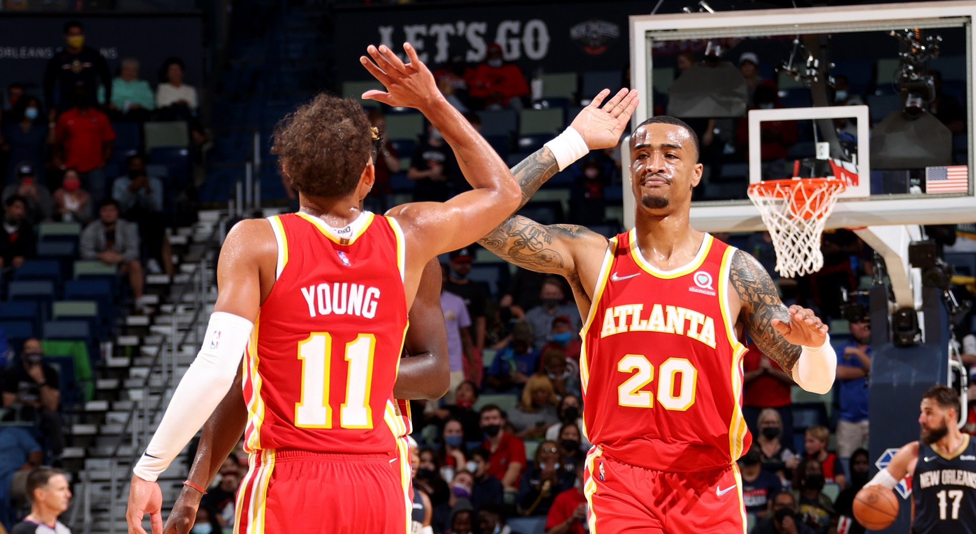 Hawks hold off Pelicans in last-second thriller